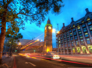 london_traffic_at_night-wallpaper-800x600