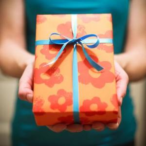 Gift-ideas-for-nursing-home-residents-present-and-hands-